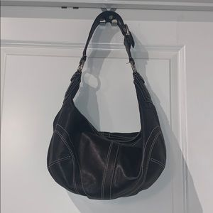 Xl coach all leather hobo. Black